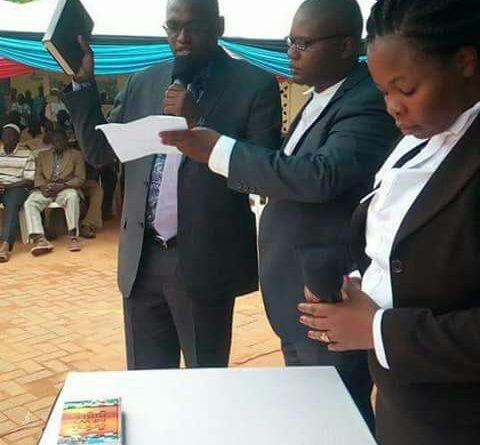 Bakari Hassan Sebe taking the Oath of office