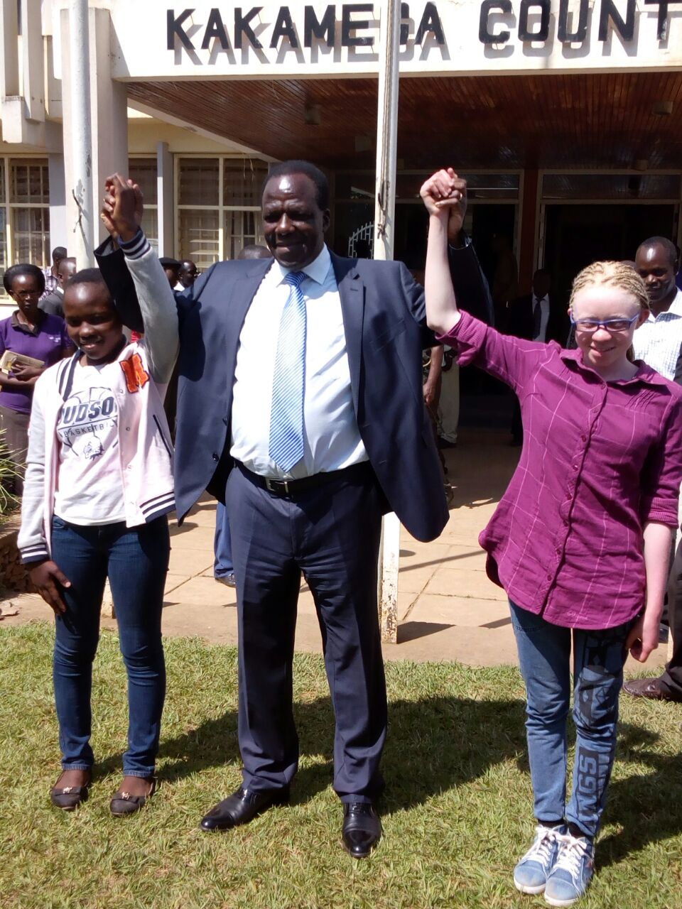 Governor Wycliffe Oparanya with best candidates of KCPE 2017