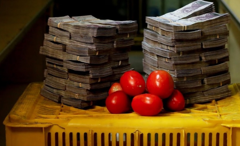 You need 5,000,000 bolivars in order to purchase 1 kilo of tomatoes as shown in the picture above.