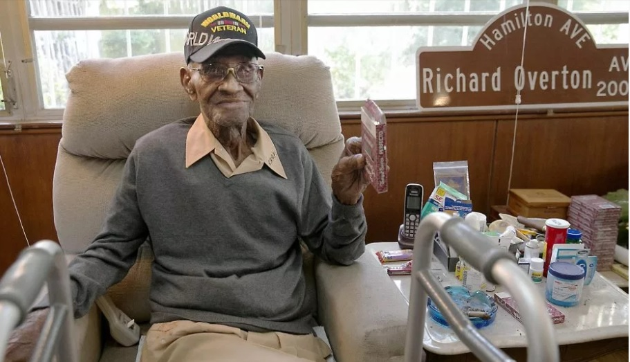 Richard Overton, the US World War II Veteran dies at 112