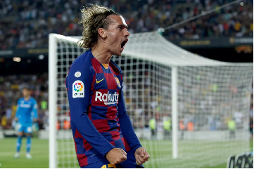 Antoine Griezmann scores as FC Barcelona beat Real Betis