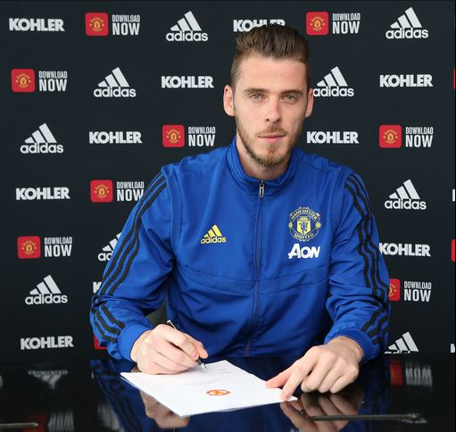 David De Gea signs new contract at Manchester United