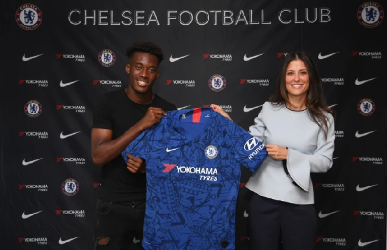Hudson Odoi signs a new contract at Chelsea