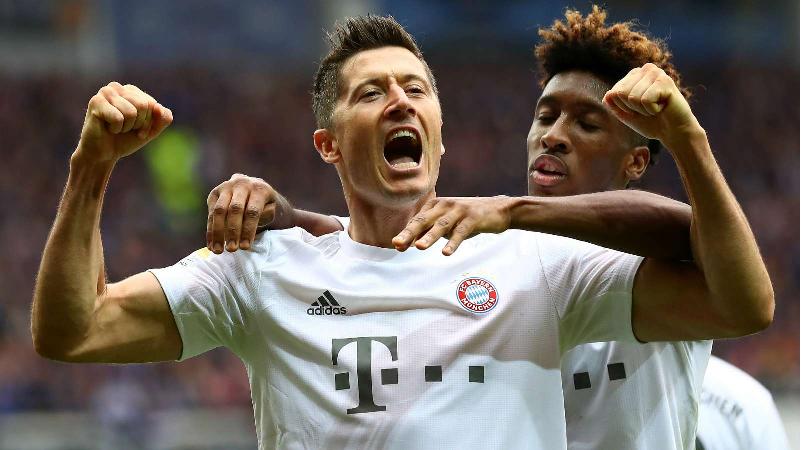 Robert Lewandowski makes history in Bayern win