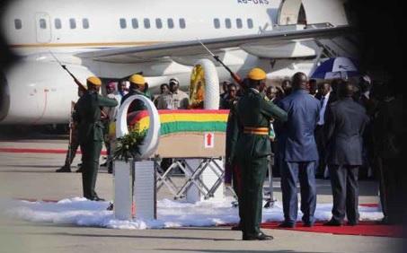 The remains of Robert Mugabe arrived in Zimbabwe on Wednesday