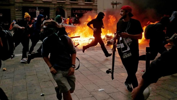 Police brutality on pro-independence protesters in Barcelona enters day 5  (photos)