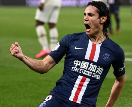 Edison Cavani scores his 200th goal for Paris St Germain