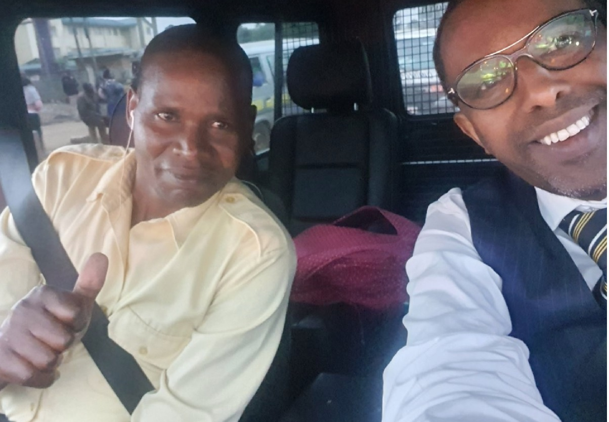 Grand Mullah gifts one family in Nairobi with Ksh. 1 million (photos)