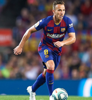 Barca's Arthur to miss up to three weeks due to an ankle injury