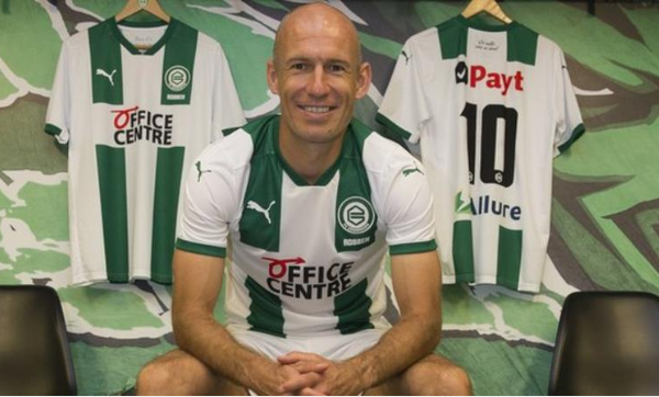 Arjen Robben comes out of retirement to re-sign for Groningen