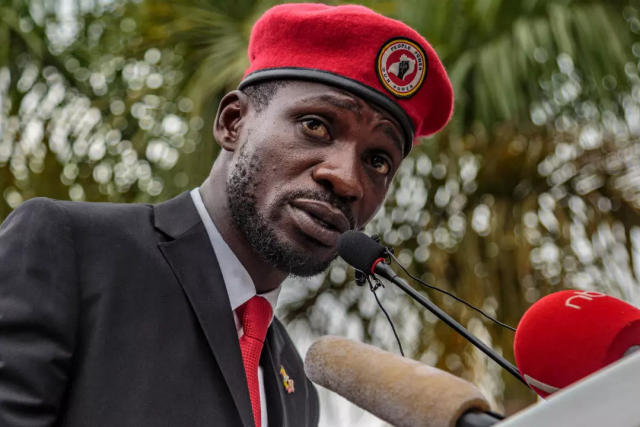 Police surrounded Uganda's presidential candidate Bobi Wine's home to give him security