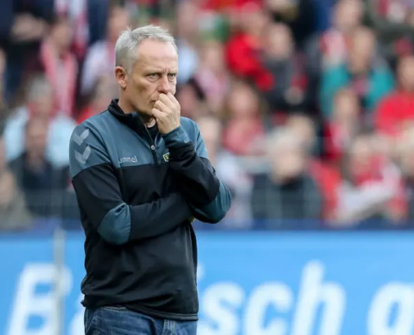 Freiburg Head Coach Streich signs a new contract