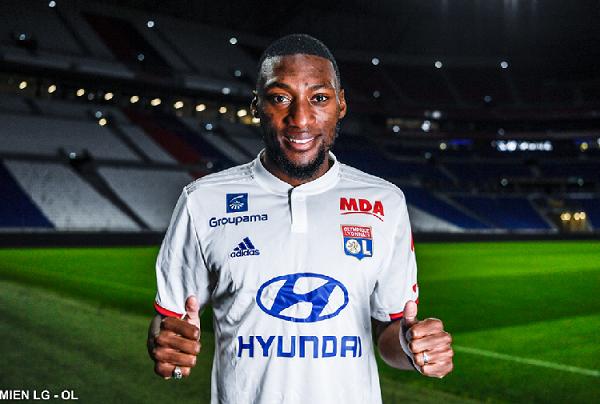 Lyon sign Toko Ekambi from Villareal