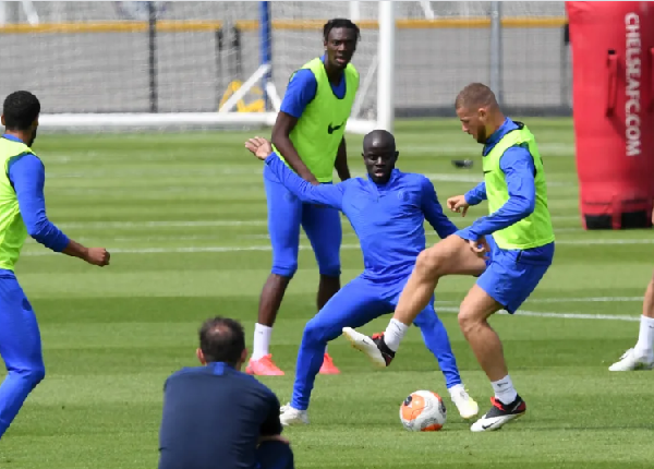 Kante returns to contact training with Chelsea