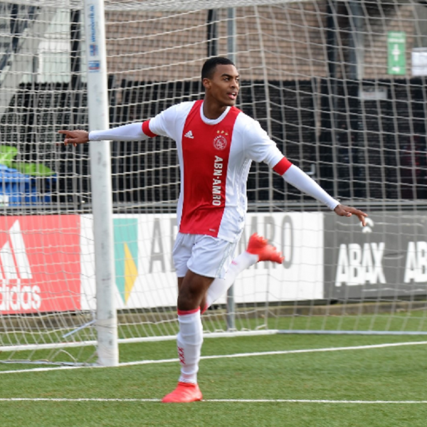 Ajax tie teenager Gravenberch to a new contract