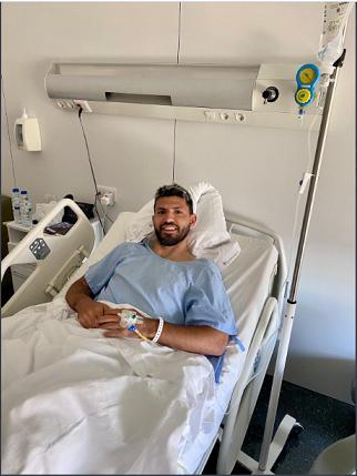 Aguero undergoes knee surgery