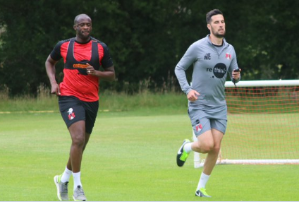 Yaya Toure trains with Leyton Orient