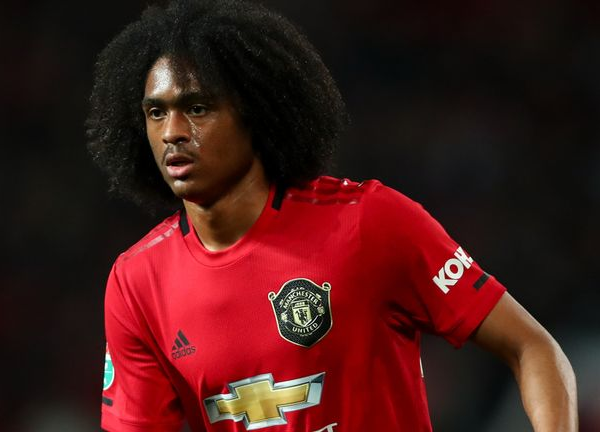 Manchester United winger Tahith Chong joins Werder Bremen on loan