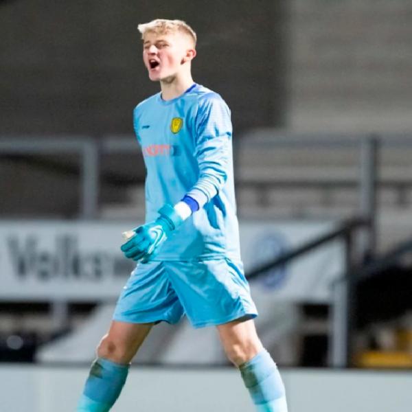 Chelsea sign goalkeeper Sharman-Lowe from Burton Albion