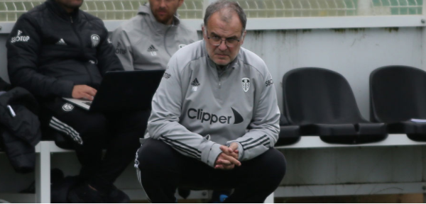 Bielsa signs a contract extension at Leeds United