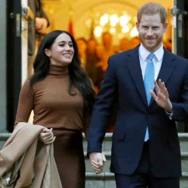 Harry and Meghan 'earn $1,000,000 per speech' online Read