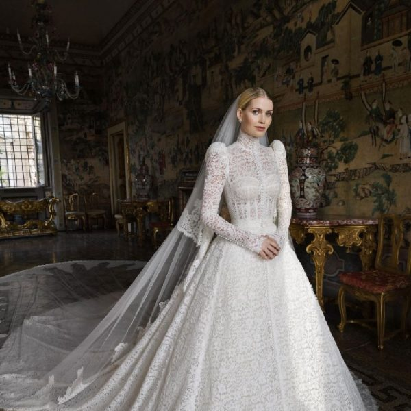 Princes Diana's niece wore 5 gowns during her wedding to Michael Lewis in Italy