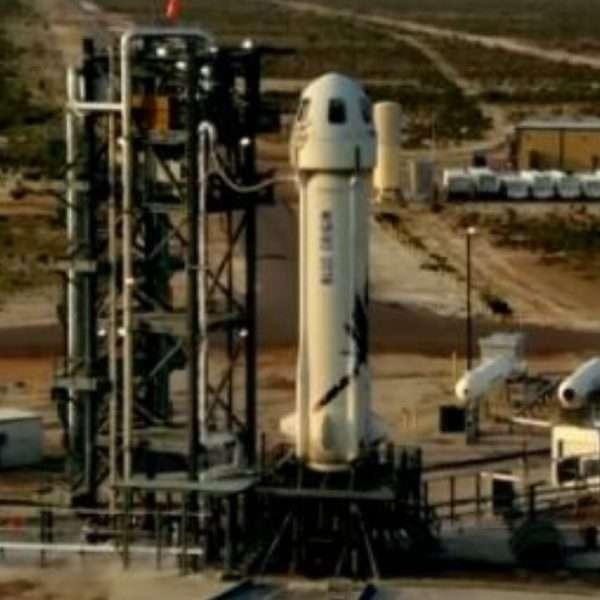 Blue Origin successful space launch with Jeff Bezos on board